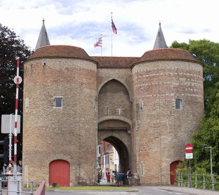 Ворота Gentpoort в Брюгге - достопримечательности Брюгге