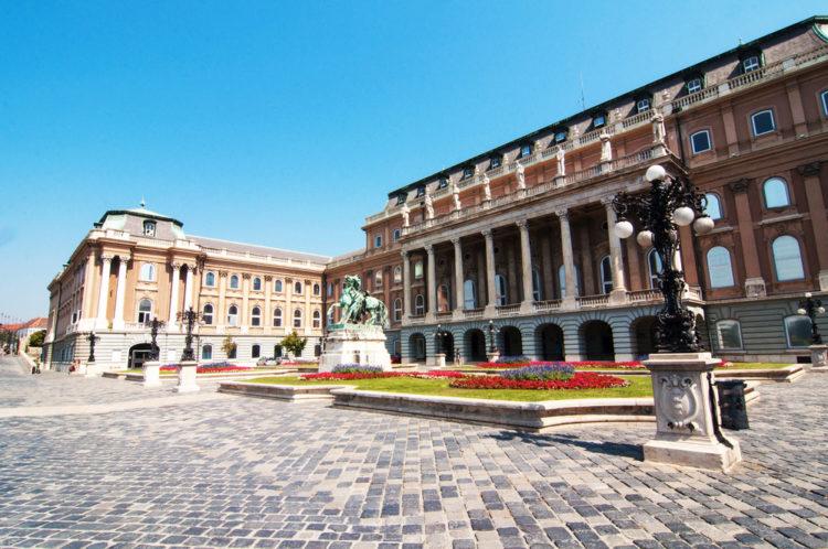 Венгерская национальная галерея в Будапеште - достопримечательности Будапешта, Венгрия