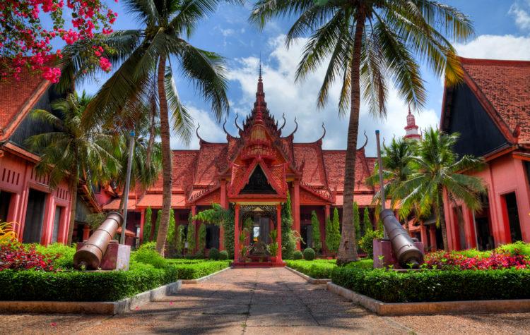 Национальный музей Камбоджи в Пномпене -достопримечательности Пномпеня, Камбаджа