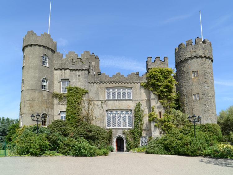 Замок Малахайд в Дублине - достопримечательности Дублина, Ирландия