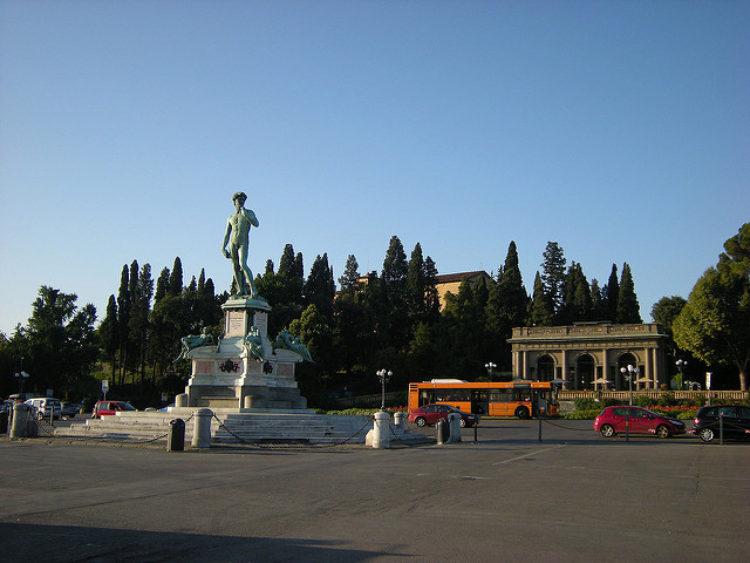 Пьяццале Микеланджело или Площадь Микеланджело во Флоренции, Италия