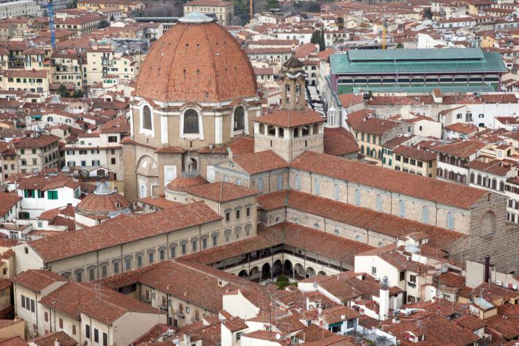 Базилика Святого Лаврентия (ди Сан-Лоренцо) во Флоренции - достопримечательности Флоренции, Италия
