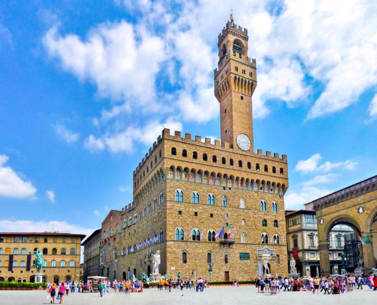 Палаццо Веккьо, (Старый дворец) во Флоренции - достопримечательности Флоренции, Италия