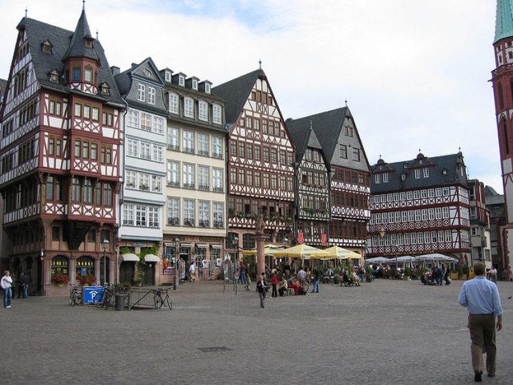 Площадь Рёмеберг (Römerberg) во Франкфурте-на-Майне - достопримечательности Франкфурта, Германия