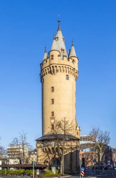 Башня Эшенхайм (The Eschenheimer Tower) во Франкфурте-на-Майне, Германия