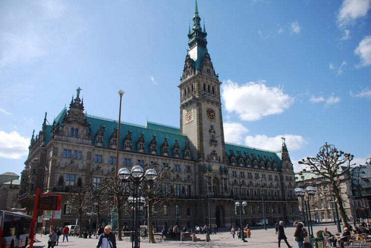 Гамбургская ратуша- -достопримечательности Гамбурга, Германия