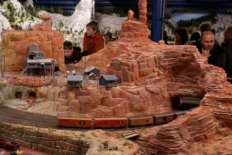 Миниатюрная страна чудес Miniatur Wunderland (MiWuLa) - достопримечательности Гамбурга, Германия
