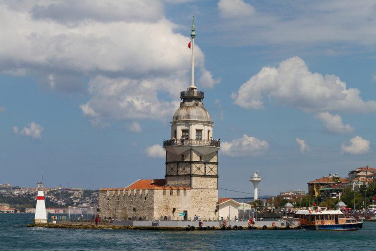 Девичья башня или Башня Девы (Киз Кулеси) в Стамбуле - Что посмотреть в Стамбуле