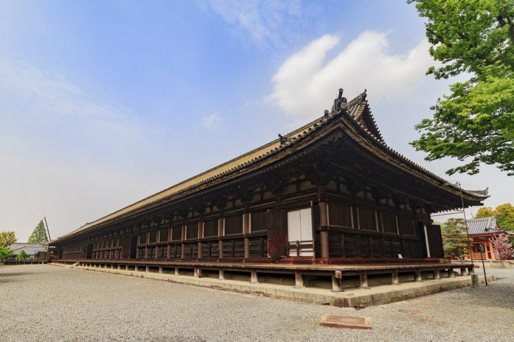 Храм Санджусанген-до - достопримечательности Киото, Япония