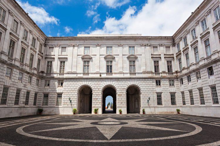 Национальный дворец Ажуда в Лиссабоне - достопримкчательности Лиссабона, Португалия