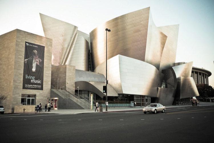 Концертный зал имени Уолта Диснея - достопримечательности Лос-Анджелеса, Калифорния, США