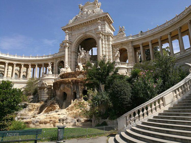 Дворец Лоншан (Palais Longchamp) в Марселн - достопримечательности Марселя, Франция