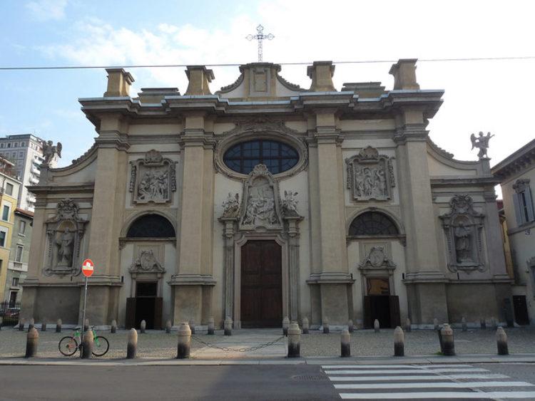 Церковь Санта Мария делла Пассионе в Милане - достопримечательности Милана, Италия