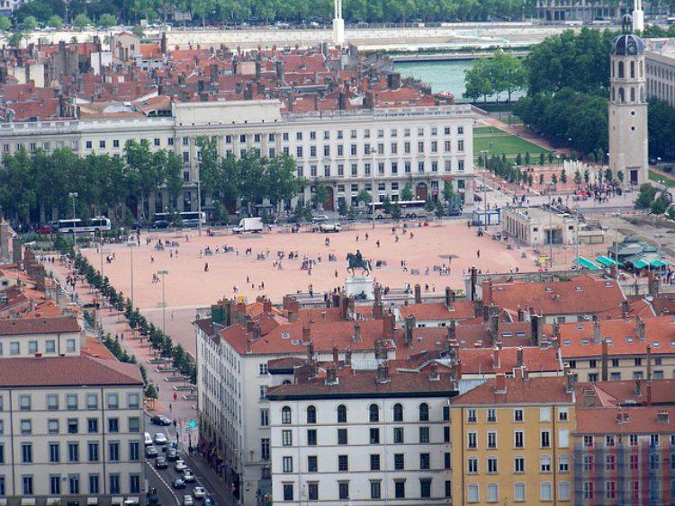 Площадь Белькур (Bellecour Square) в Лионе - достопримечательности Лиона, Франция