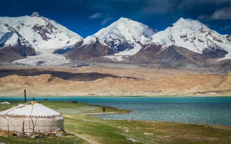 Озеро Каракуль - достопримечательности Таджикистана