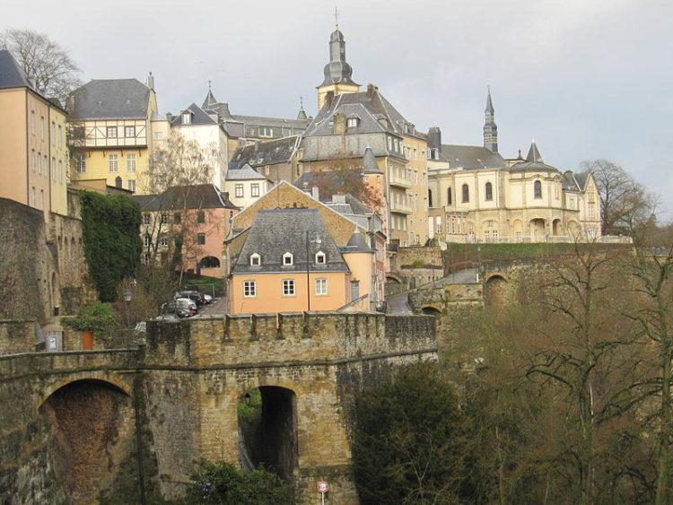 Старинные кварталы и укрепления города Люксембург - достопримечательности Люксенбурга
