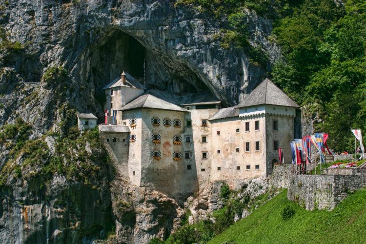 Предъямский замок - достопримечательности Словении