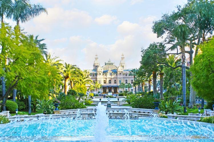 Парк и площадь Казино (Casino Square) - достопримечательности Монако