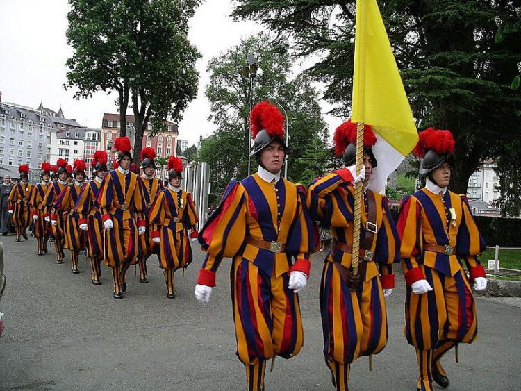 Швейцарская гвардия - достопримечательности Ватикана