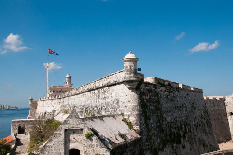 Крепость Ла-Кабанья и Эль-Морро - достопримечательности Кубы