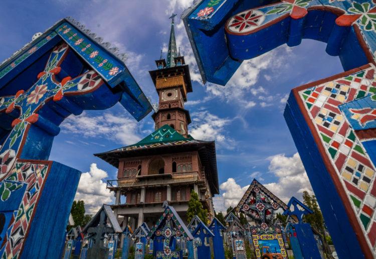 Весёлое кладбище - достопримечательности Румынии