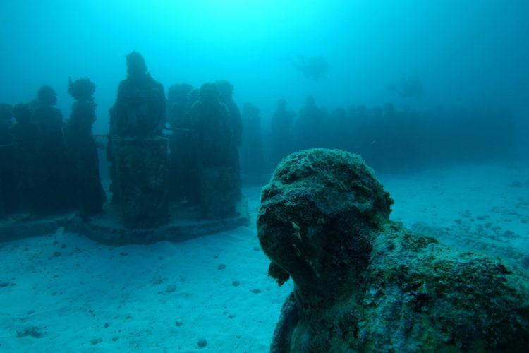 Музей подводных скульптур - достопримечательности Мексики