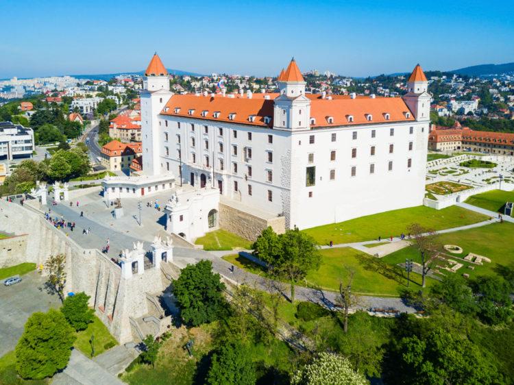 Братиславский град - достопримечательности Словакии