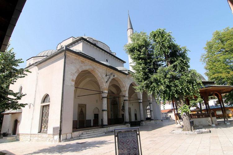 Мечеть Гази Хусрев-бея - достопримечательности Боснии и Герцеговины