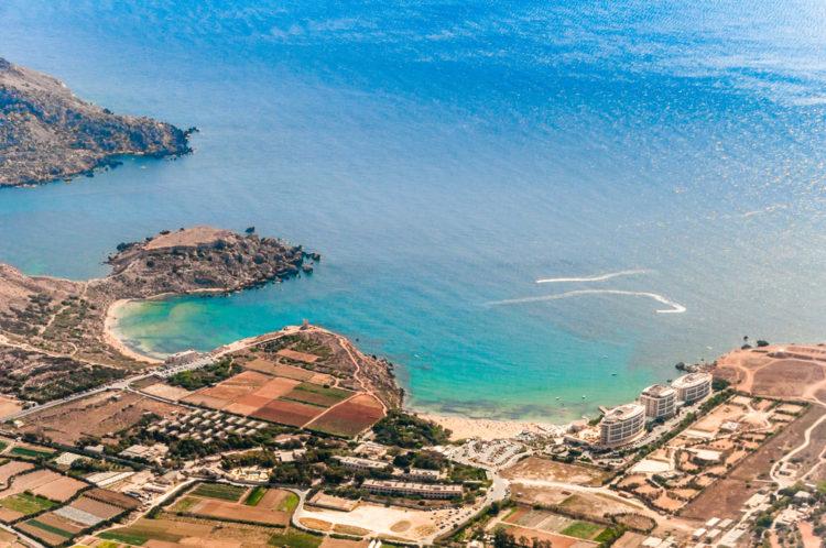 Пляж Голден Бей - достопримечательности Мальты