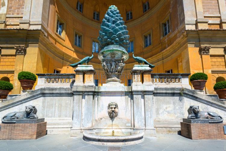 Двор Пинии - достопримечательности Ватикана