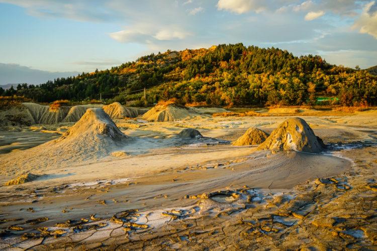 Грязевые вулканы Берга (Berca Mud Volcanoes) - достопримечательности Румынии