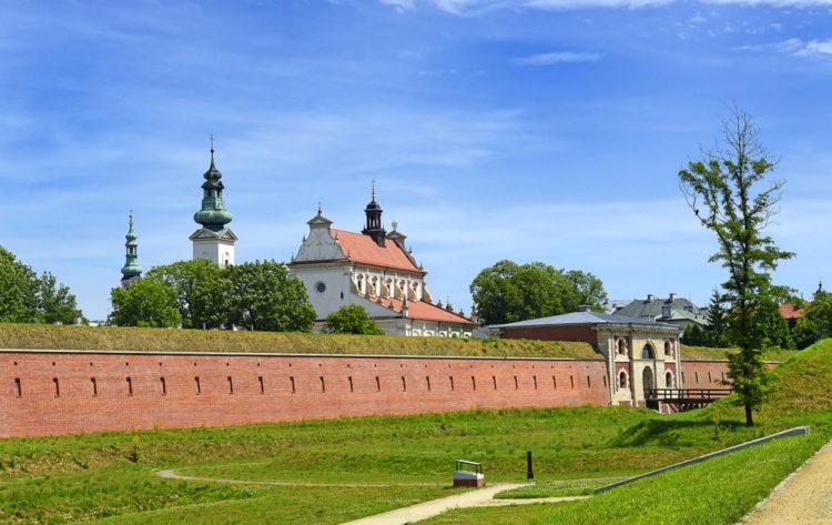 Старая часть города Замосць - достопримечательности Польши