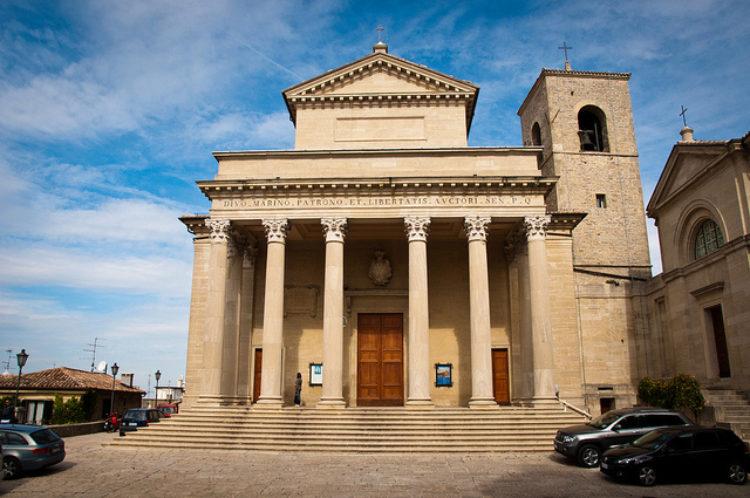 Базилика Сан-Марино - достопримечательности Сан-Марино