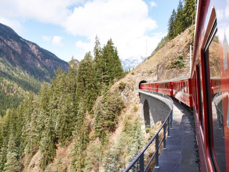 Ретийская железная дорога - Что посмотреть в Швейцарии