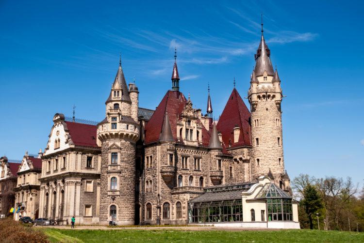Мошненский замок - достопримечательности Польши