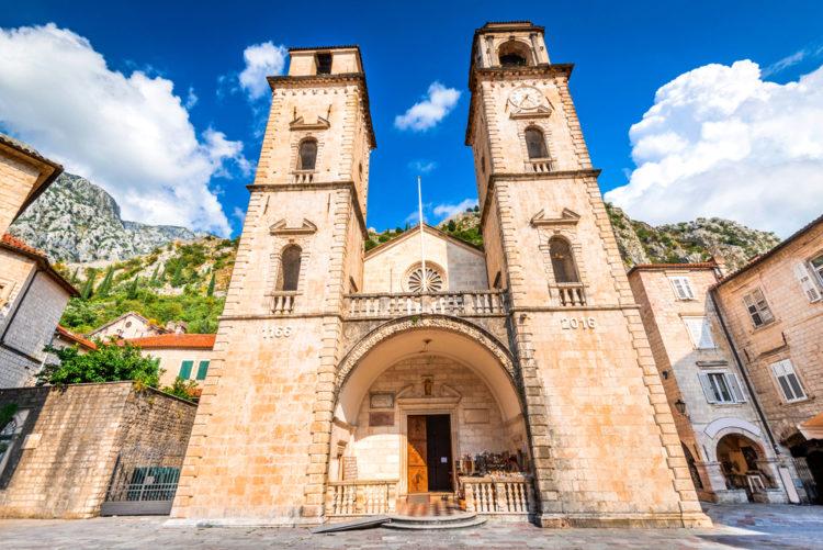 Собор Святого Трифона - достопримечательности Черногории