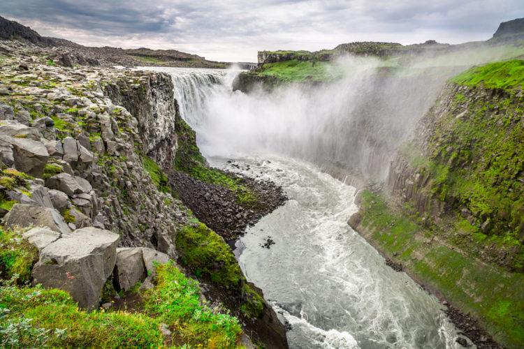 Водопад Деттифосс - достопримечательности Исландии