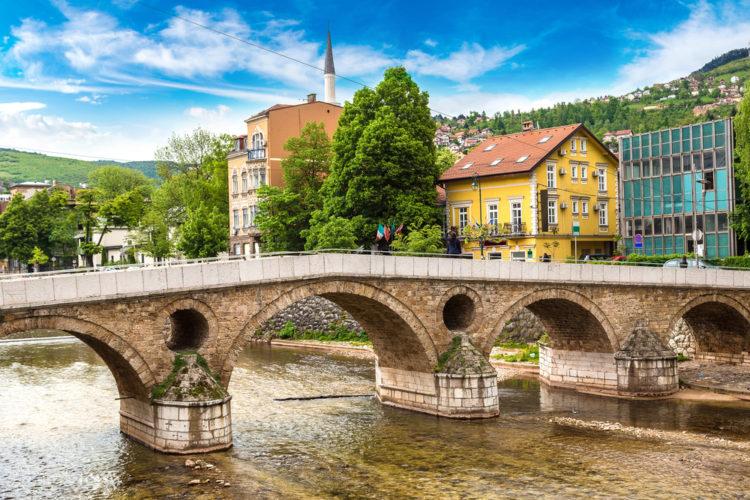 Латинский мост в Сараево - достопримечательности Боснии и Герцеговины