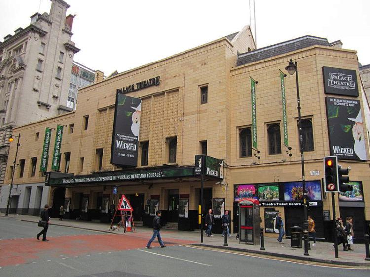 Театр Пэлас - достопримечательности Манчестера