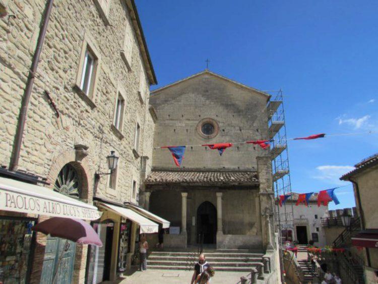 Церковь Сан-Франческо - достопримечательности Сан-Марино