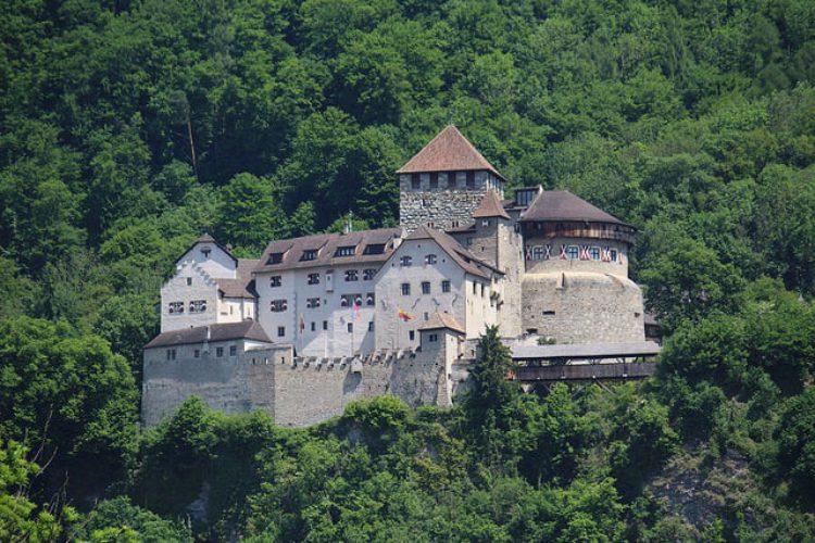 Замок Вадуц - достопримечательности Лихтенштейна