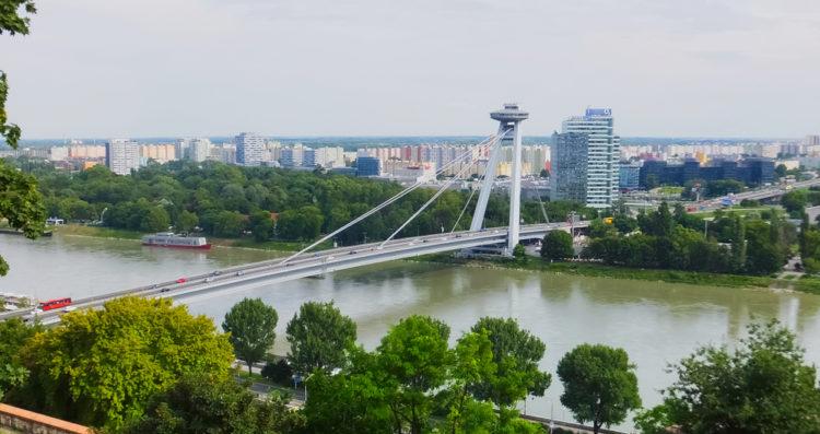 Смотровая площадка НЛО в Братиславе - достопримечательности Словакии