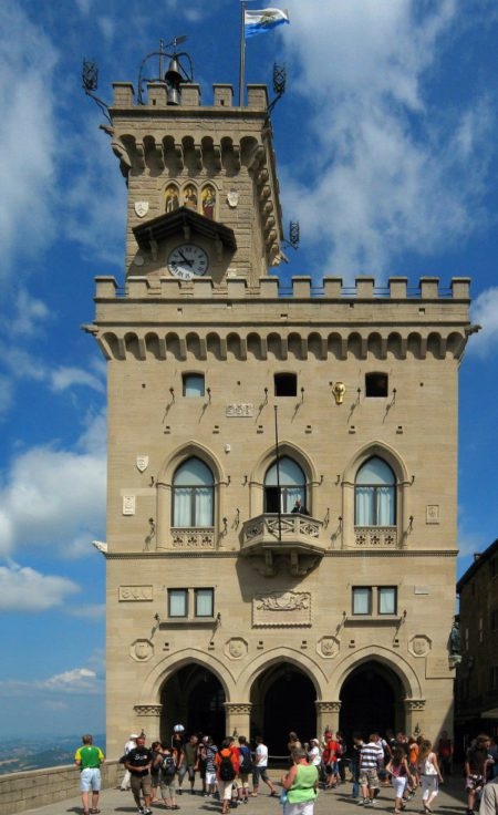 Палаццо Публико - достопримечательности Сан-Марино