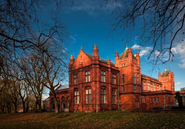 Художественная галерея Уитворт - достопримечательности Манчестера