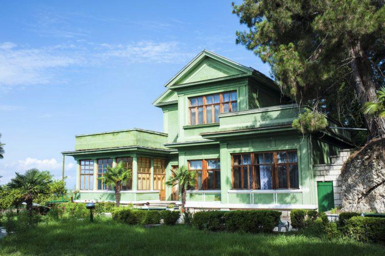 Дачи И.В Сталина - достопримечательности Абхазии