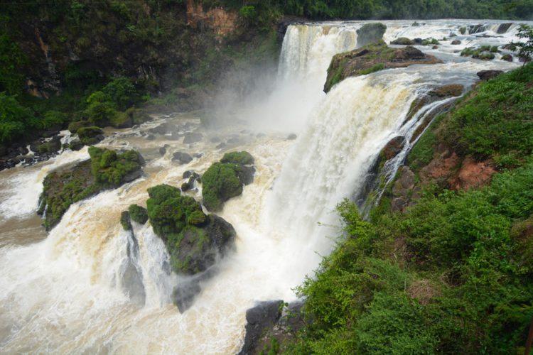 Водопад Сальтос-дель-Мондай - достопримечательности Парагвая