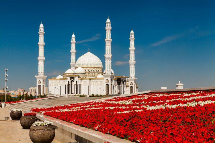 Мечеть Хазрет Султан - достопримечательности Казахстана