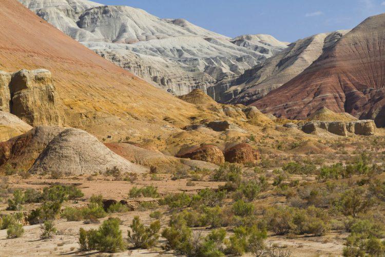 Национальный парк Алтын-Эмель - достопримечательности Казахстана