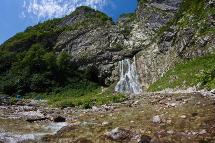 Гегский водопад - что посмотреть в Абхазии