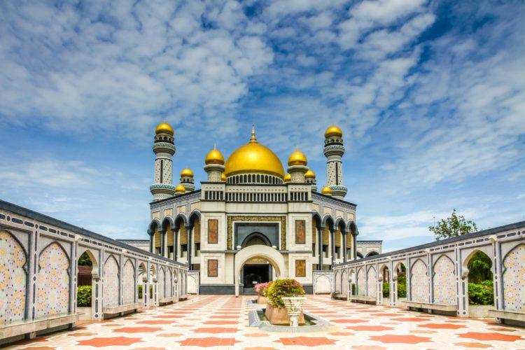 Мечеть Джеймс Аср Хассанала Болкиаха - достопримечательности Брунея Бруней Едем в Бруней 3 The Jame Asr Hassanil Bolkiah Mosque e1522457627366